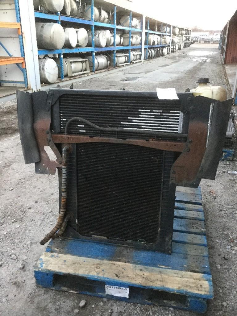 INTERNATIONAL PB105 Radiator