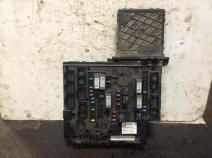 Freightliner CASCADIA Fuse Box on HeavyTruckParts Net