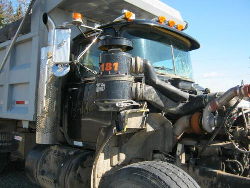 MACK RB688S Cab