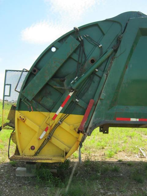 Universal Handling Equip. URLFRS3H25 waste packer Equipment (Mounted)