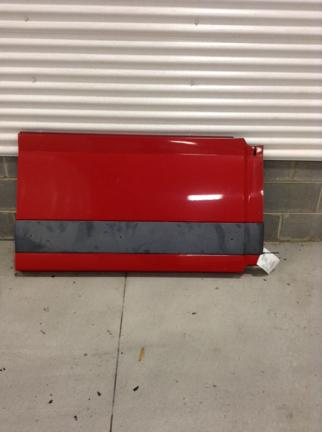 VOLVO VNL 670 Side Fairing