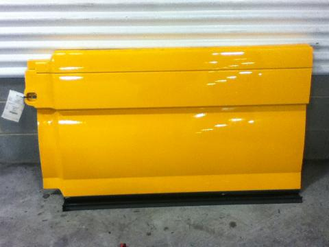 VOLVO VNL670 Side Fairing