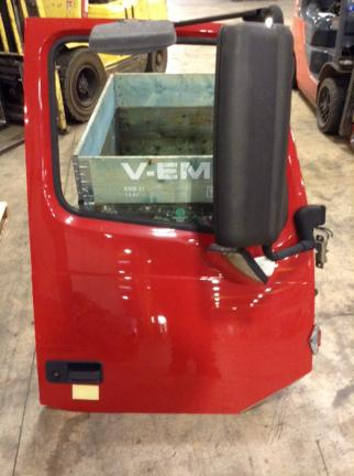 VOLVO VNL780 Door Assembly, Front