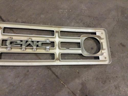 GMC 7000 Grille