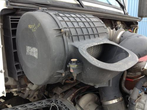VOLVO VNL Air Cleaner