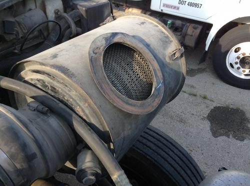 INTERNATIONAL 8200 Air Cleaner
