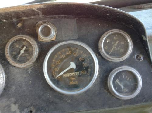 MACK DM400 Instrument Cluster