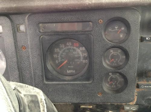 INTERNATIONAL S1900 Instrument Cluster