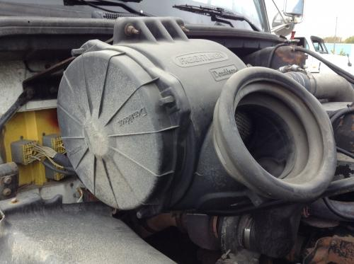 FREIGHTLINER FL112 Air Cleaner