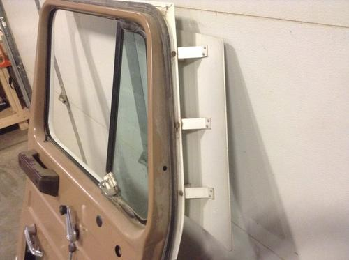 INTERNATIONAL S2300 Door Assembly, Front