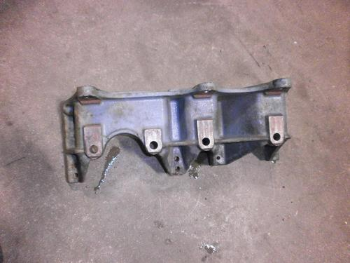 FREIGHTLINER COLUMBIA 120 Engine Mounts