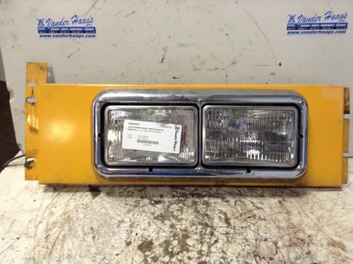 INTERNATIONAL 3800 Headlamp Assembly