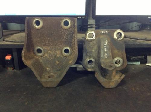 INTERNATIONAL 9400 Engine Mounts