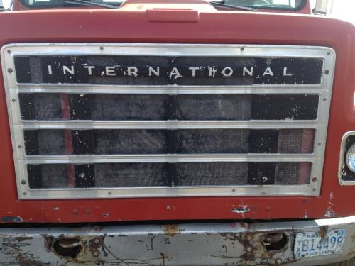 INTERNATIONAL S2200 Grille