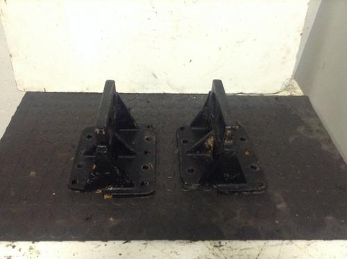 WESTERN STAR TRUCKS 4900 Engine Mounts