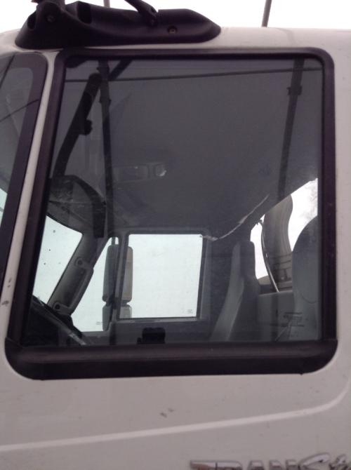 INTERNATIONAL TRANSTAR (8600) Door Glass, Front