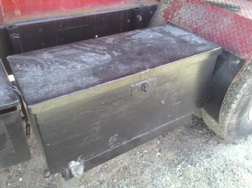 FORD LT8000 Tool Box