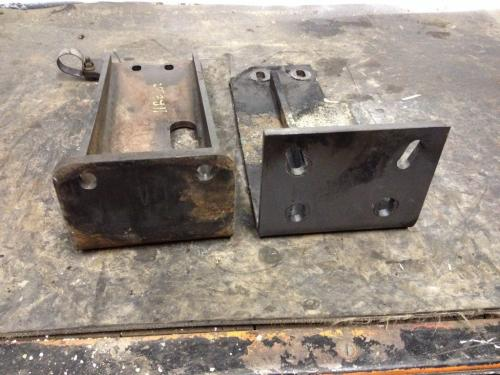JOHN DEERE 332D Engine Mounts