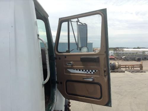 INTERNATIONAL S1700 Door Assembly, Front