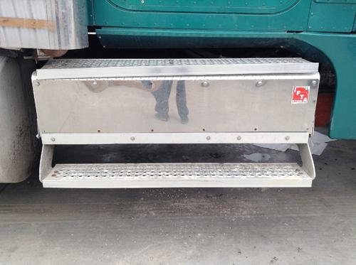 INTERNATIONAL 9900 Tool Box