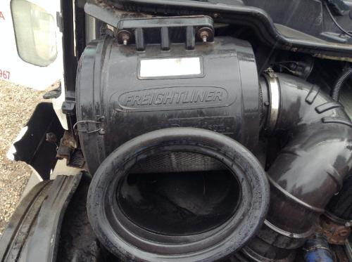 FREIGHTLINER COLUMBIA 120 Air Cleaner