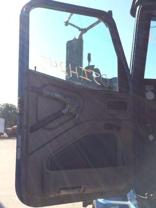 INTERNATIONAL 9200 Door Assembly, Front