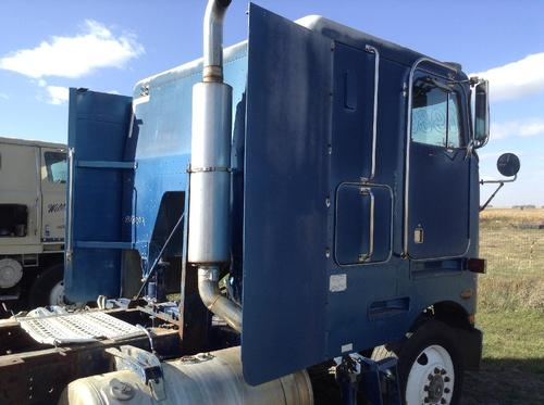 PETERBILT 362 COE Side Fairing