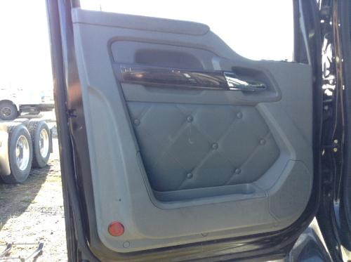 KENWORTH T680 Door Assembly, Front
