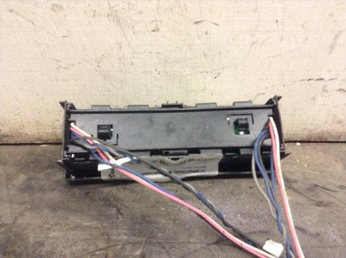 INTERNATIONAL 8600 Instrument Cluster
