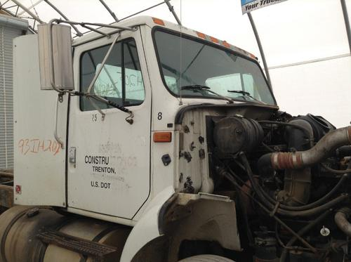 INTERNATIONAL 8200 Cab