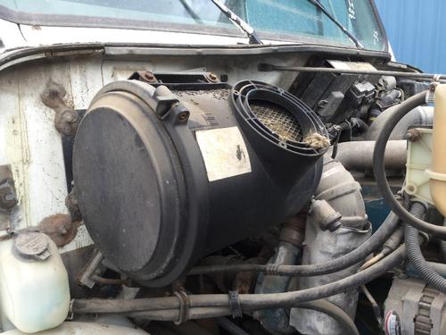 INTERNATIONAL 4900 Air Cleaner