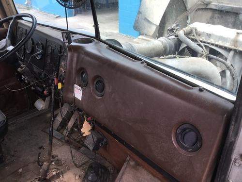 INTERNATIONAL 9300 Dash Assembly