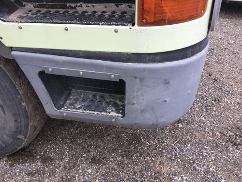 INTERNATIONAL 9800 Bumper Assembly, Front