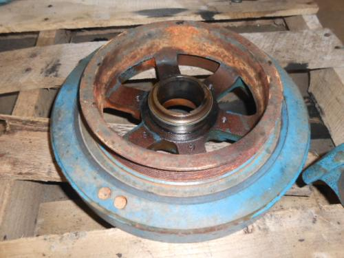 INTERNATIONAL DT 466E Harmonic Balancer