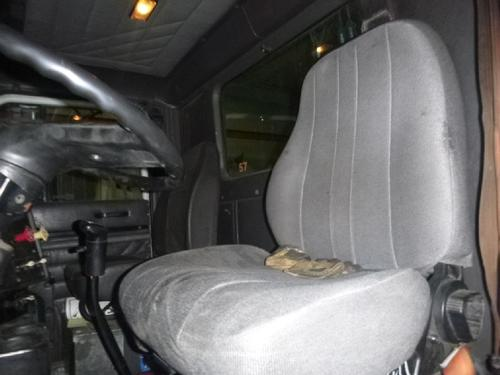 INTERNATIONAL 9100 Seat, Front