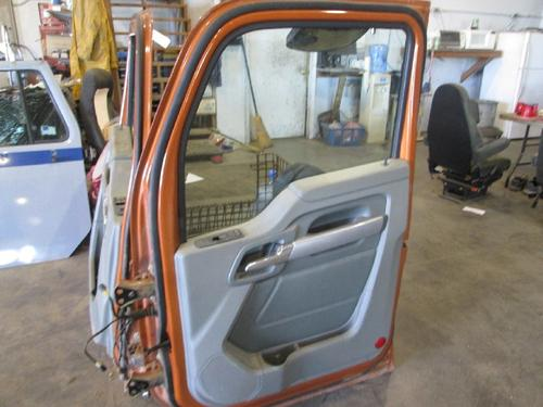 KENWORTH T880 Door Assembly, Front