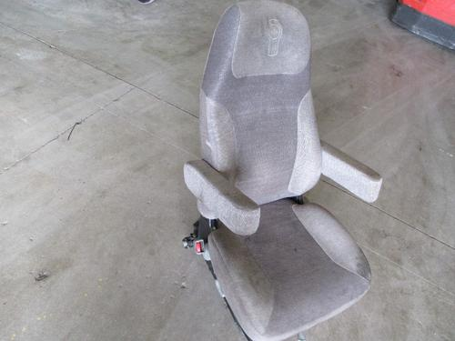 KENWORTH T660 Seat, Front