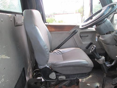STERLING L7500 Seat, Front