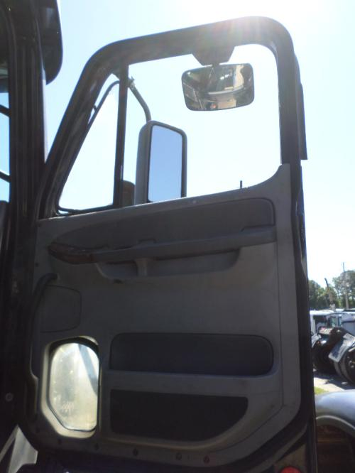 FREIGHTLINER CENTURY 120 Door Assembly, Front
