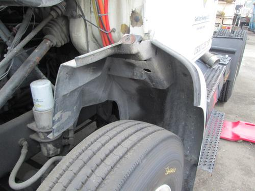 INTERNATIONAL F8200 Fender Extension