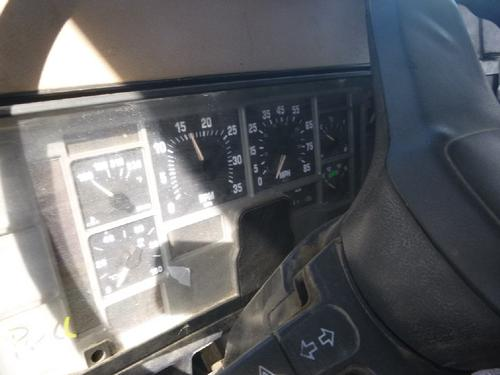 INTERNATIONAL 2200 Instrument Cluster