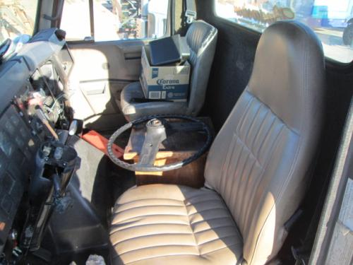 INTERNATIONAL 7100 Seat, Front