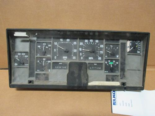 INTERNATIONAL 2554 Instrument Cluster