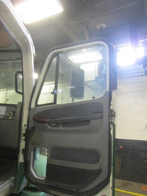 FREIGHTLINER COLUMBIA 112 Door Assembly, Front