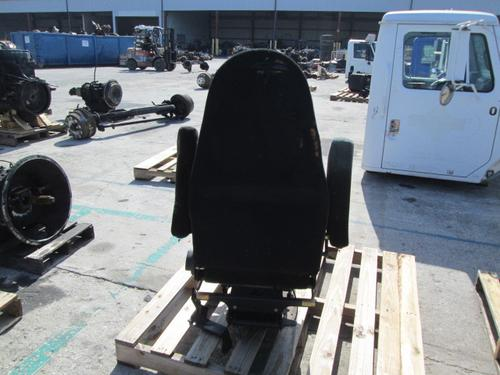INTERNATIONAL F2275 Seat, Front