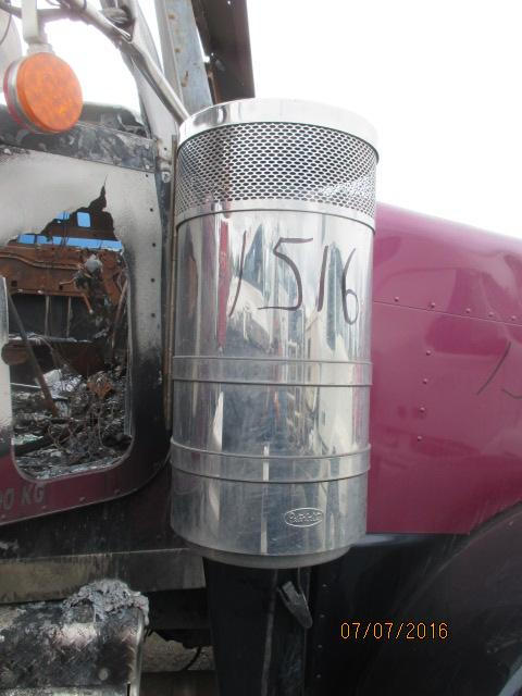 PETERBILT 388 Air Cleaner