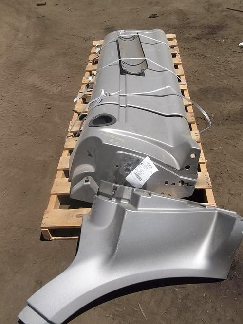 PETERBILT 587 Side Fairing