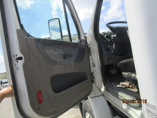 FREIGHTLINER CASCADIA 113 Door Assembly, Front