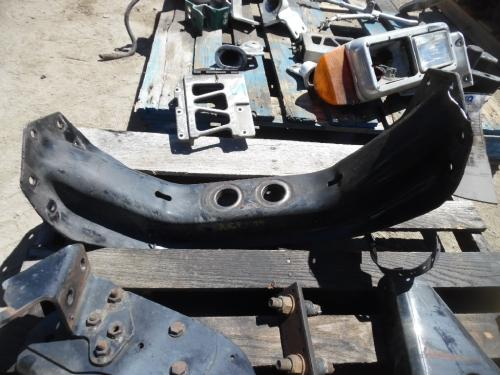 FREIGHTLINER COLUMBIA 112 Engine Mounts