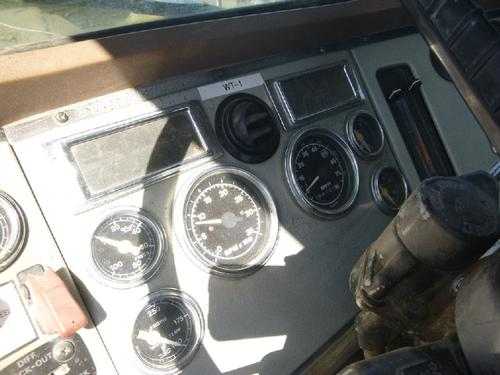 FORD LN9000 Instrument Cluster